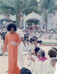 Darshan con Sai Baba Prashanti 1990
